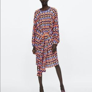 Zara Geometric Print Pleated Dress